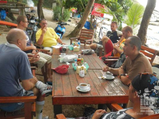 PADI Insttructor Course waiting for breakfast before the IDC OW briefings at Ao Sane Beach