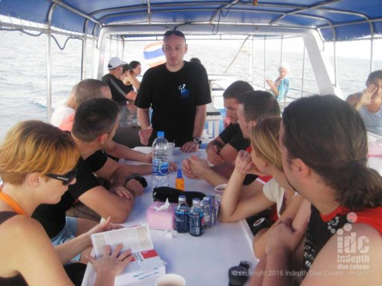 PADI Underwater Naturalist Course Dive Briefing from our Indepth Dive Instructor