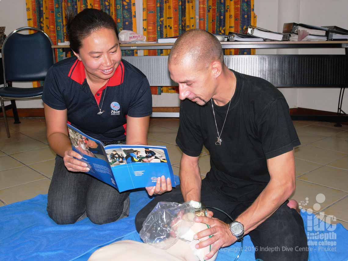 PADI Emergency Oxygen Course working as Rescuer, Victim and Coach