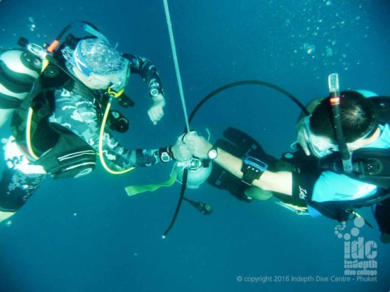 Don't forget your Deep Dive Safety Stop on the PADI Adventure Diver Course Phuket