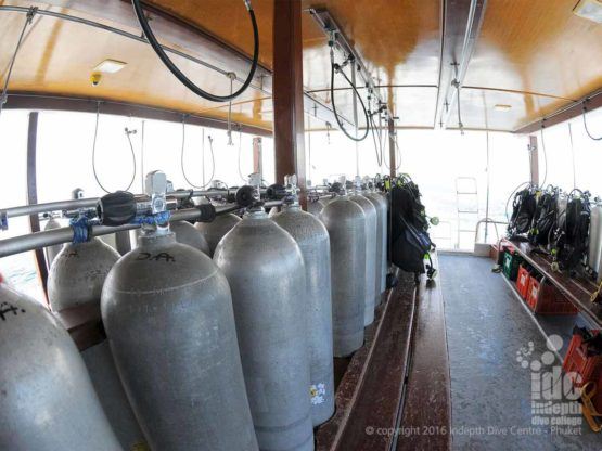 The spacious dive deck of Diving Day Trip Boat 5 Phuket