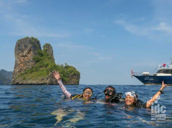 Happy divers at Koh Bida Nai - beautiful landscape
