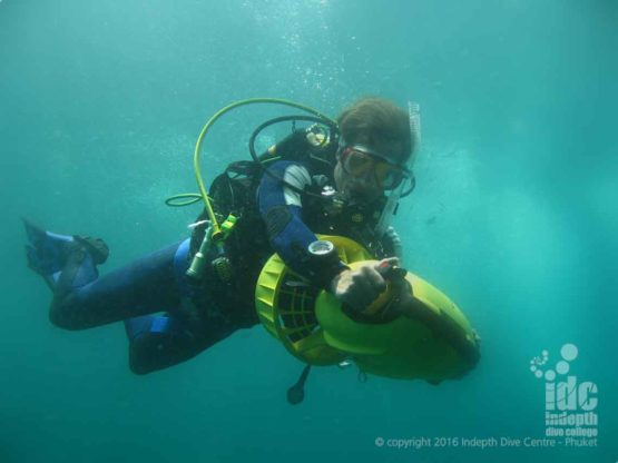 PADI DPV Adventure Dive with the Apollo DPV on his PADI Advanced Course