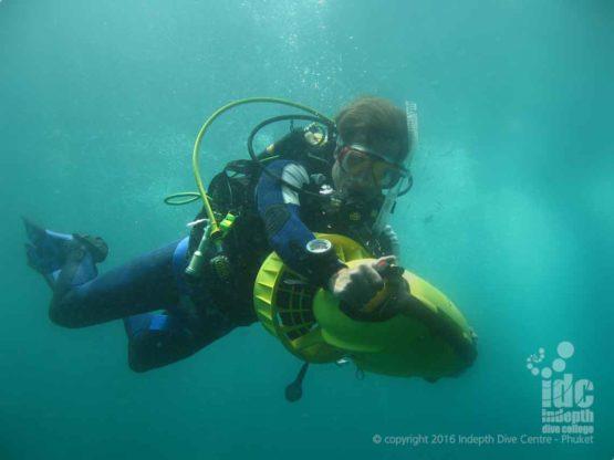 PADI DPV Adventure Dive with the Apollo DPV on his PADI Advanced Course