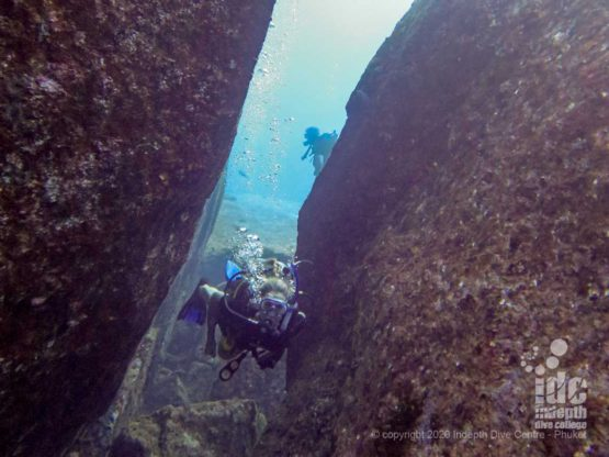 Elephant Head Rock is a diver's playground with the giant boulders creating canyons, swimthroughs and other cool features