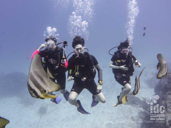 Happy divers at Boulder City Similan