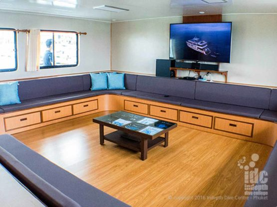 Superb facilities aboard DiveRACE Liveaboard