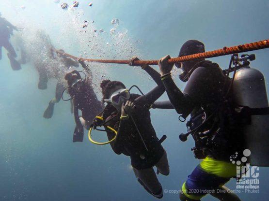 Descent on King Cruiser Wreck dive Phuket