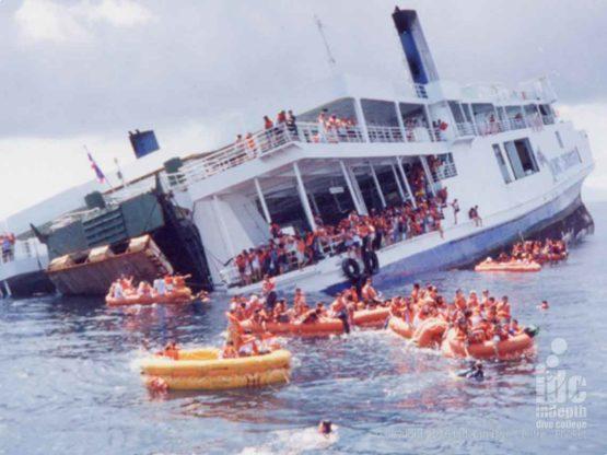 Sinking of King Crusier Ship Wreck - the best Phuket Wreck Diving
