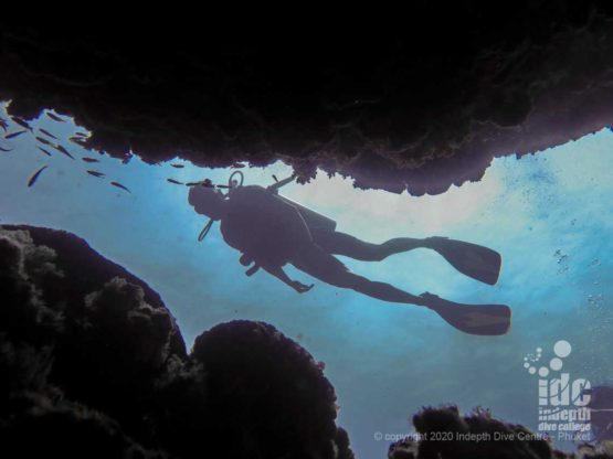 The topography of the shallow reef at Koh Haa neua is quite interesting with many cracks and canyons
