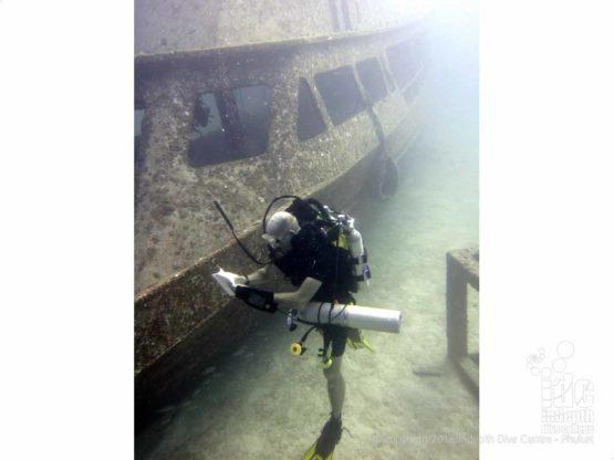 Mapping a wreck on a Poseidon Rebreather Phuket