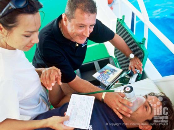 PADI Emergency Oxygen Course and be taught in conjunction with the Rescue Diver Course