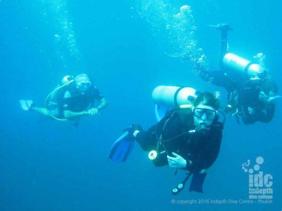 Similan Liveaboard scuba diving fun at Chinese Wall