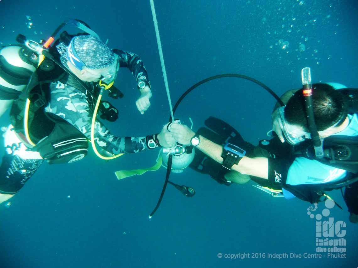 Simulated Deco Stop being performed by divers on Deep Diver Course