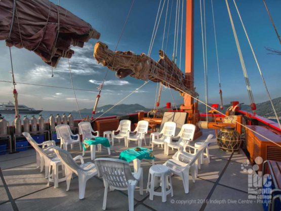 Awesome sundeck to chill out on, on The Junk Liveaboard
