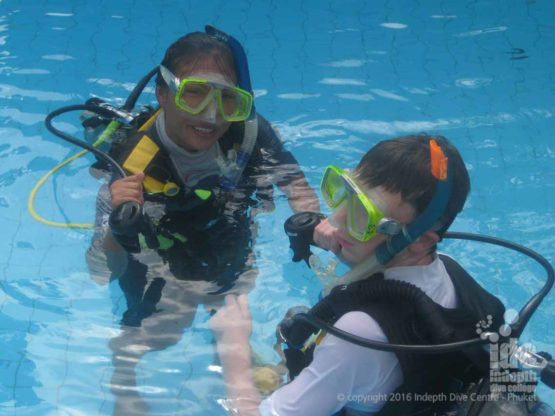 Thai PADI Instructor IDC Candidate in the pool