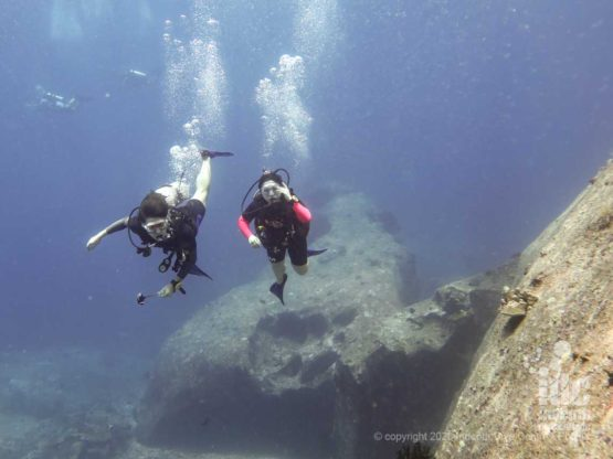 Diving around the giant boulders of Turtle Rock in Similan Islands