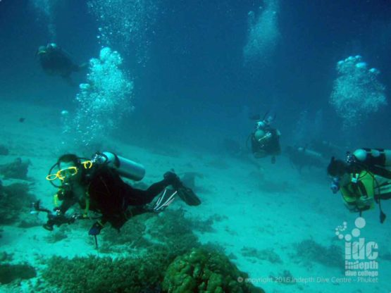 Phuket Scuba Divers having fun at Mai Thon Dive Site
