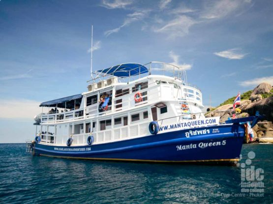 Budget Liveaboards Thailand Manta Queen 2